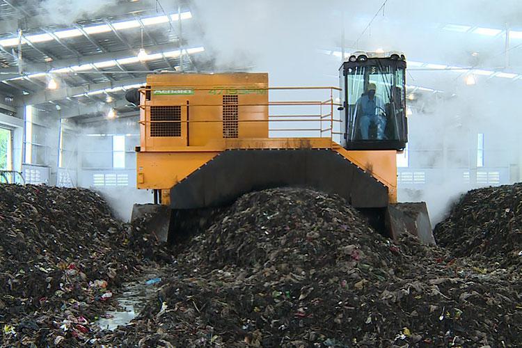 VEGUEMAT - Compostage & recyclage - Retourneurs d'andains - MENART - 4719 SPM