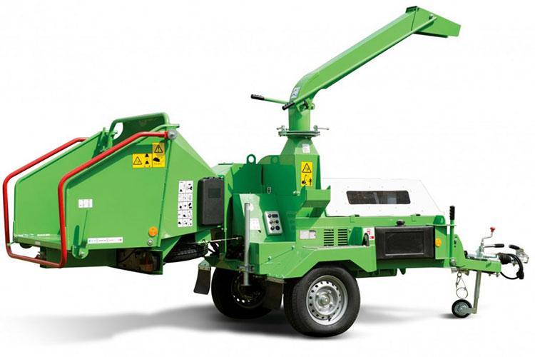 VEGUEMAT - Broyeurs professionnels de branches et de végétaux - GreenMech - ArboMaster 220
