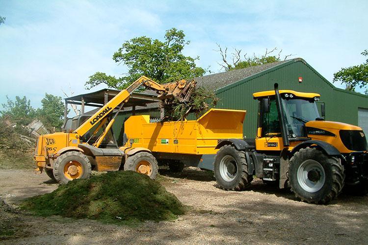 VEGUEMAT - Compostage & recyclage - Broyeur agricole à déchets verts - MENART P145 T